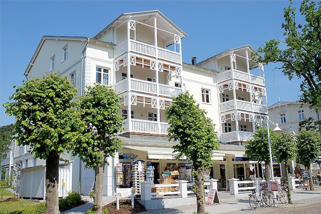 Hausansicht der Villa Seerose im Ostseebad Sellin