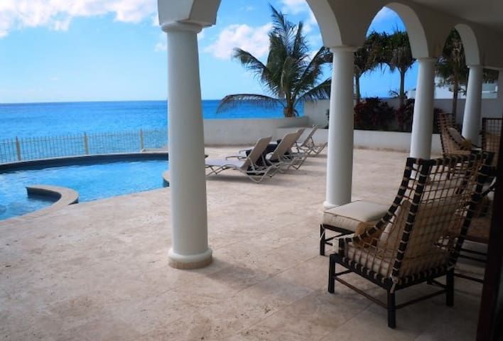 Bahari - Ideal for Couples and Families, Beautiful Pool and Beach - Simpson Bay - Villa