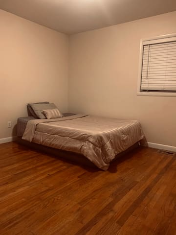 Comfortable Private Room By Atlanta Airport