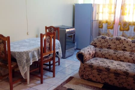 Khanla company 2 bedroom apartment - Chaguanas - Lägenhet