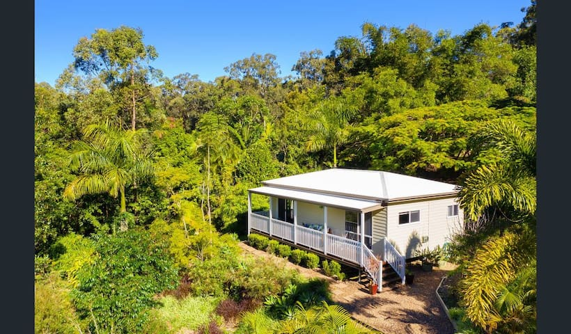 Cabin in a little paradise close to Noosa