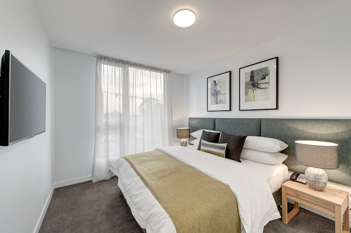 One bedroom serviced apartment Camberwell