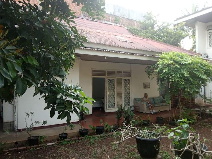 Spacious Private Room in a Garden