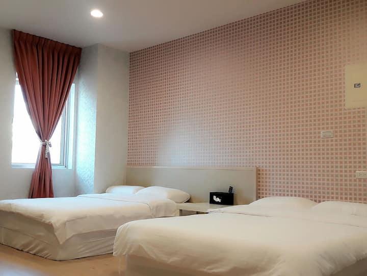 依蕾101-溫馨舒適2~4人大空間套房