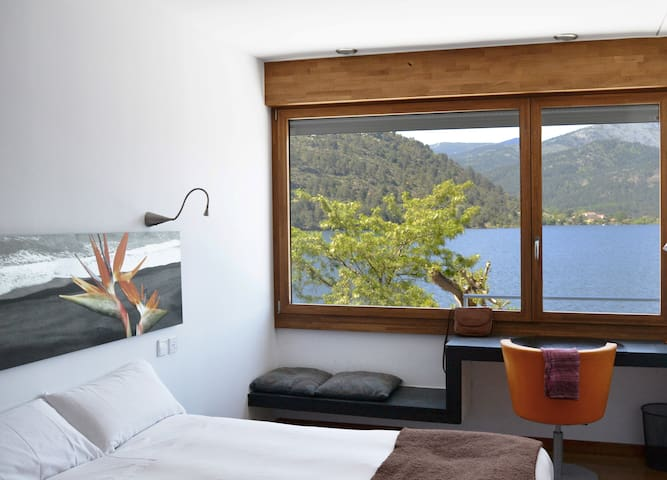 Double room with view - El Barraco - Гестхаус