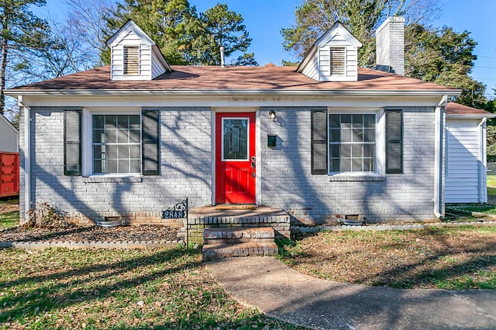 Newly Renovated Home Minutes From Uptown