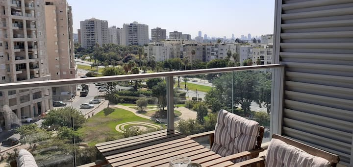 Beautiful Boutique Apt. Heart of Ramat Aviv TLV