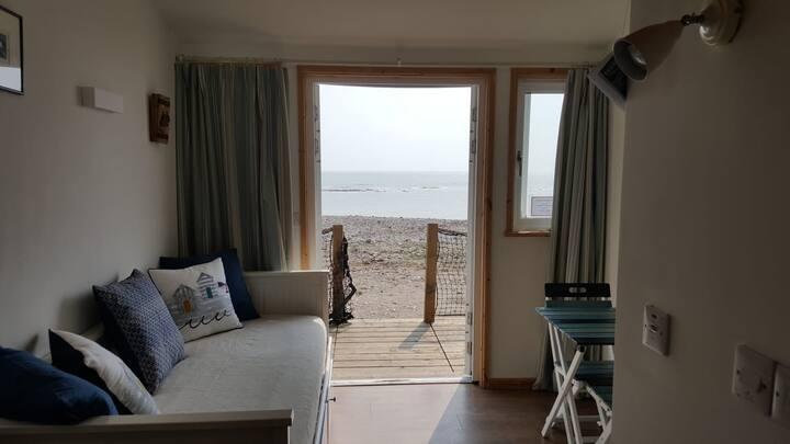 27 Monmouth Beach