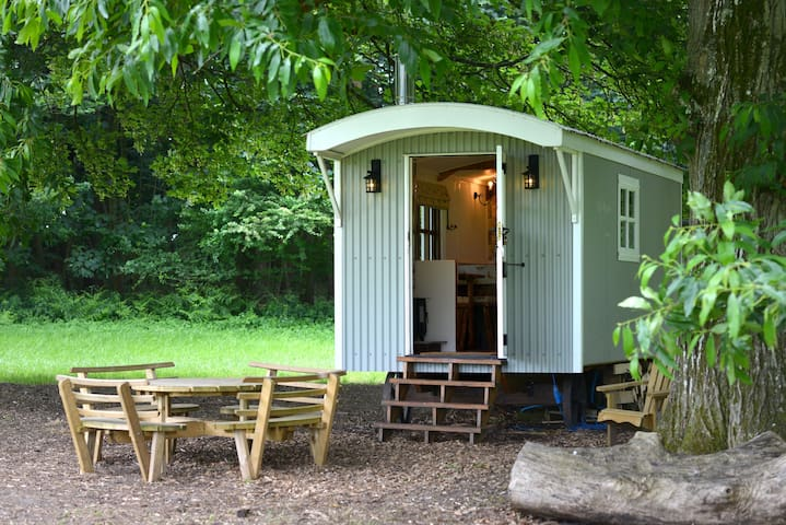 Take haven at The Hut, an ideal country bolthole