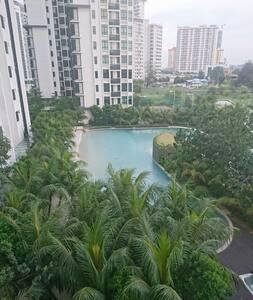 Private Bedroom at Sunway (with WIFI, Pools & Gym) - Subang Jaya