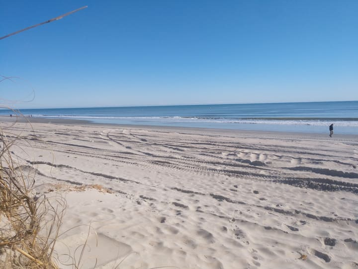 Atlantic Beach Escape - 3 min walk to the Ocean!
