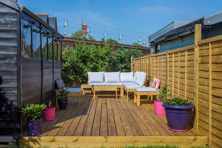 Lovely 3 bedroom home to explore Worthing & beyond