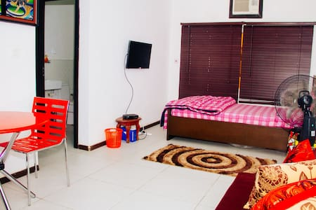 Luxury and Tastefully Decorated Studio Apartment - Lagos - Byt