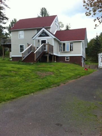 Large House 10 minutes from skiing - Tannersville - Casa