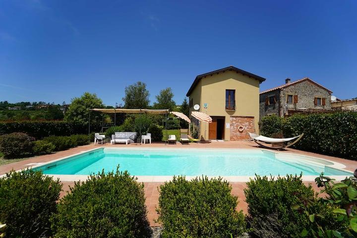 VILLA CLAUDIA 12P with Pool WiFi near Cinque Terre