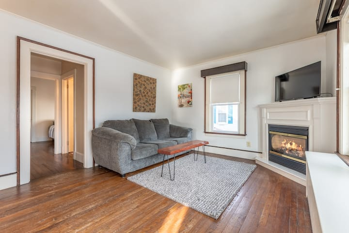 Cozy 3 Bedroom Home In Bangor Close to Everything.