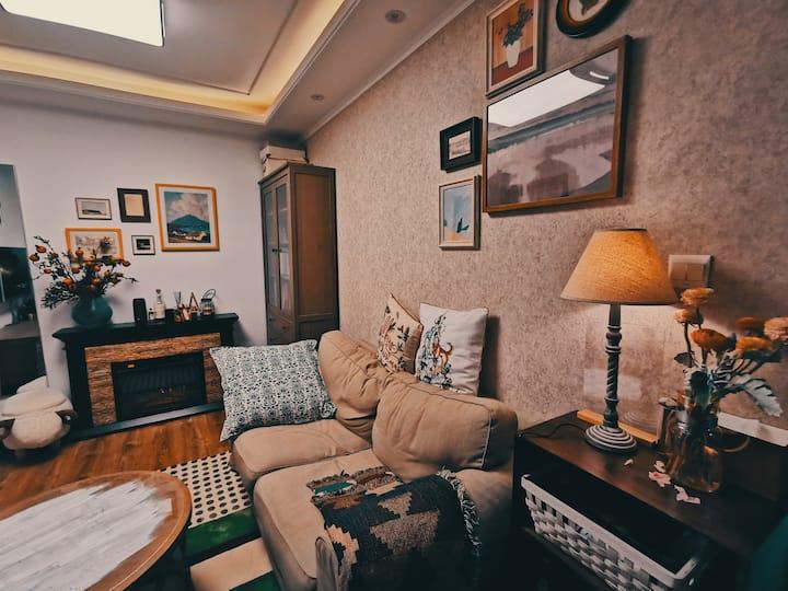 【莫诺维】美式小屋,地铁2.11.13号线静安寺,愚园路,南京西路。直达迪士尼。