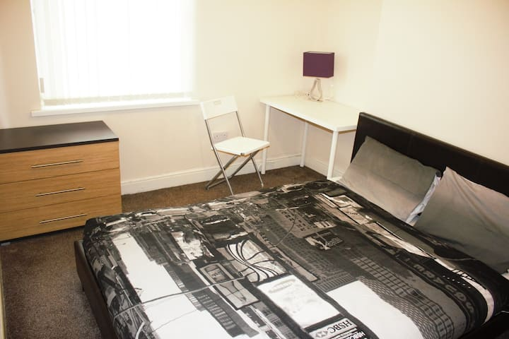Birmingham Guest House 10, Room 1 - West Bromwich - Guesthouse