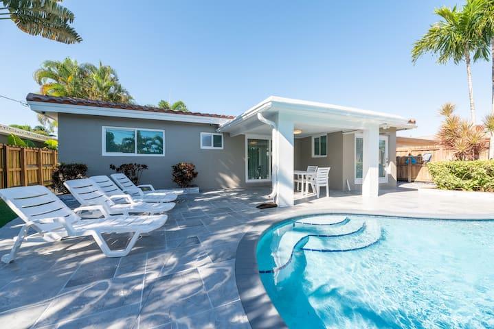 Complete House With Pool! (Sleeps 6)