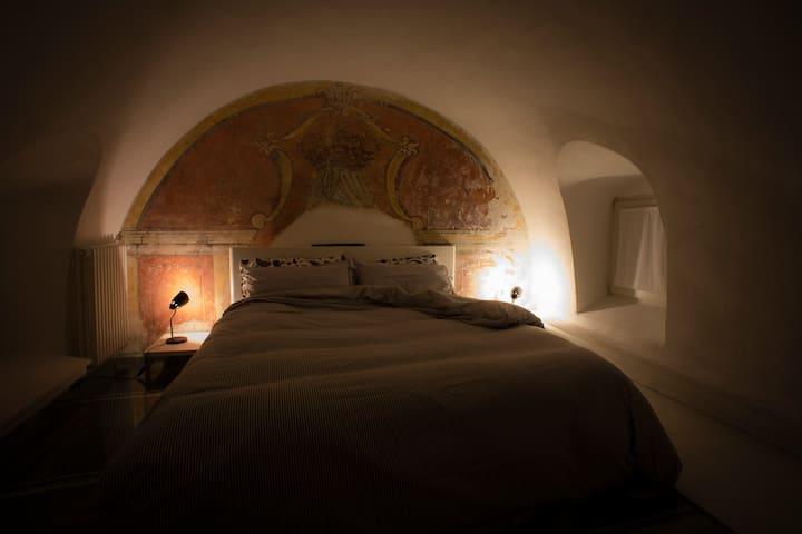 Good night... //// Buonanotte...