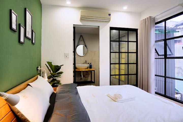 Heart of OLD QUARTER Hanoi/ BRIGHT*COMFY 1BR.