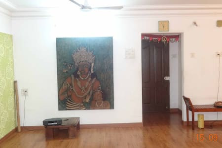 Single Private Room with Green Balcony - Navi Mumbai - เกสต์เฮาส์