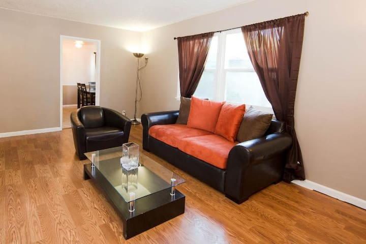 Centrally located Los Angeles 2BRApt#2 - Los Angeles - Apartment
