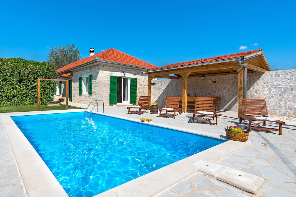 Holiday house with pool - national park Krka