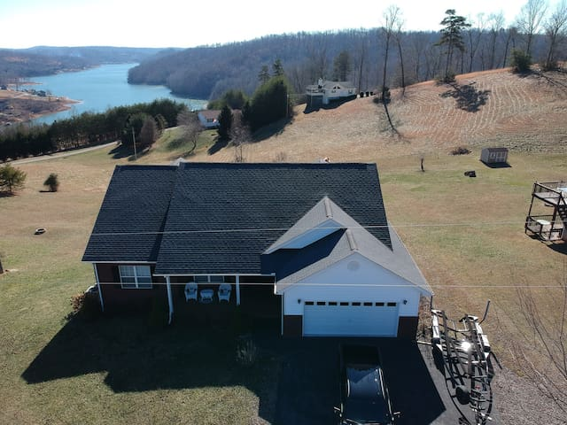 Why Knot?  Spacious family lake home for everyone!