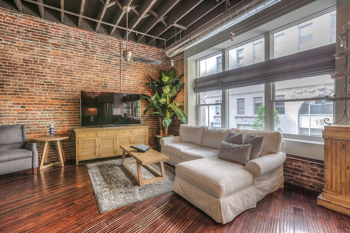 Downtown Music City Loft, The Taylor, Sleeps 2!