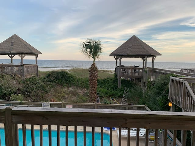 Incredible 5BR/5 Bath Oceanfront Duplex with Pool