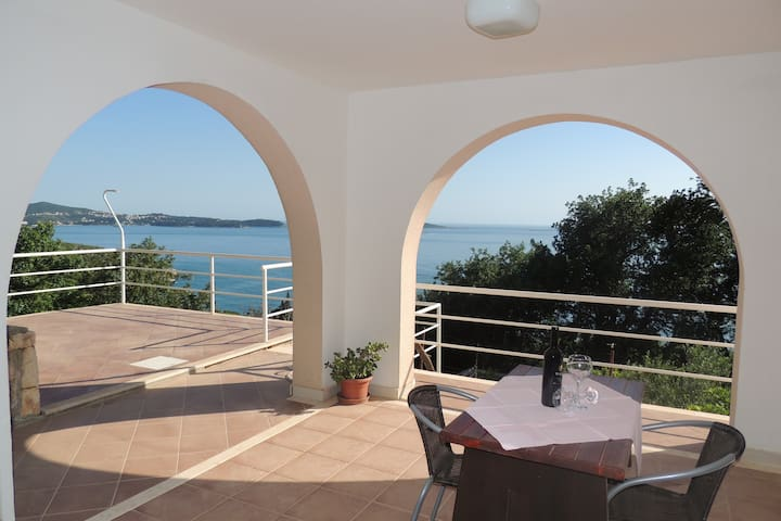 Villa Barbara-Studio w/ Sea View for Three Adults - Mlini - Haus