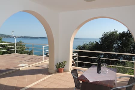 Villa Barbara-Studio w/ Sea View for Three Adults - Mlini - Haus
