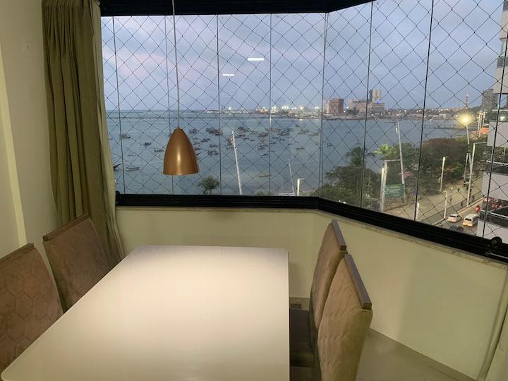 Golden Vista Panorâmica da Beira Mar
