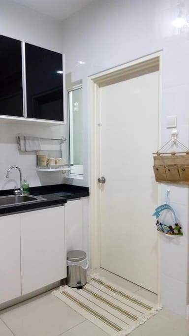 Kitchen for simple cooking
