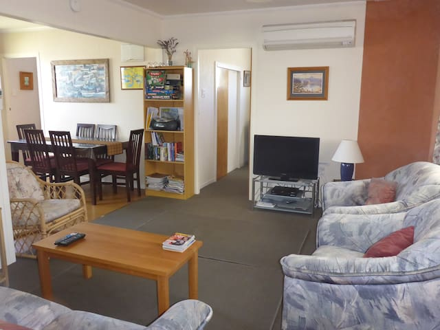 Great Location 3 on Rua Twizel with free Wifi