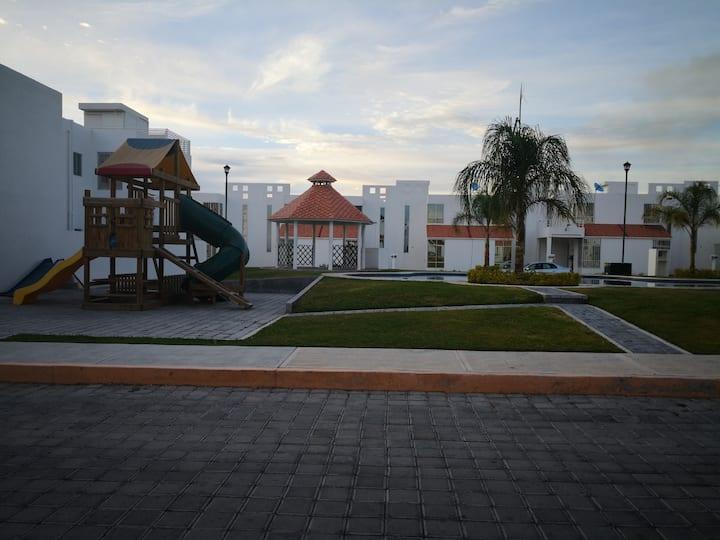 15 min. Sixflag Oaxtepec y Skydiving Cuautla