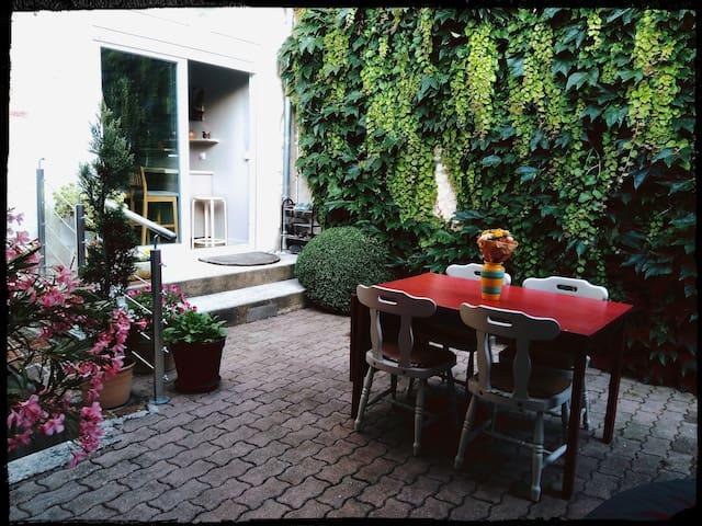 Charming room in Burgundy village, Bassou