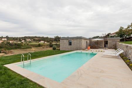 Casa c/piscina, lugar tranquilo - Castanheira, Paredes de Coura - Huis