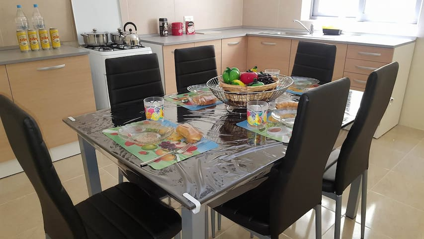 3 Bedroom Apartment - Xgħajra - Appartement