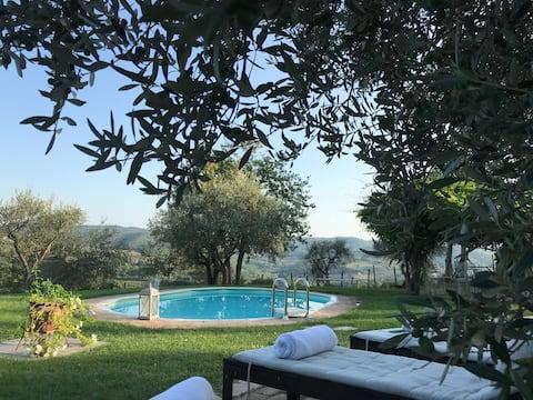 Covidsafe stylish villa with pool and fabulousview