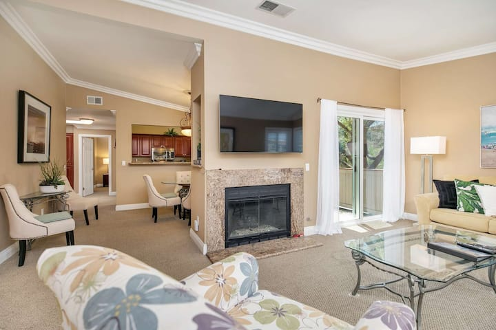 Monarch Beach Condo at Ritz Pointe - Vaulted Ceilings - Air Conditioned! Walk to Salt Creek Beach!