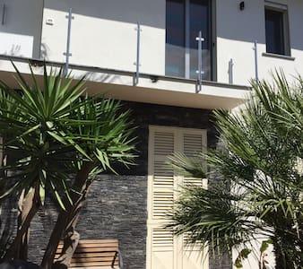 Comodo e strategico - Catania - Appartement