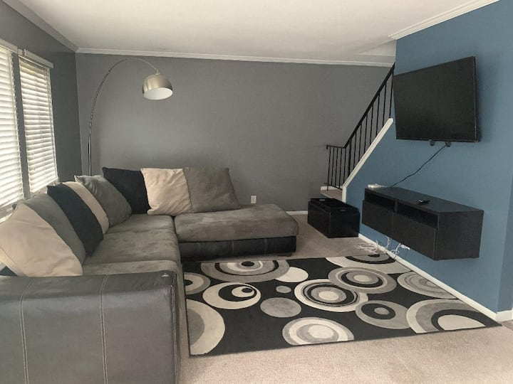 Affordable Large 3 Bedroom Townhome
