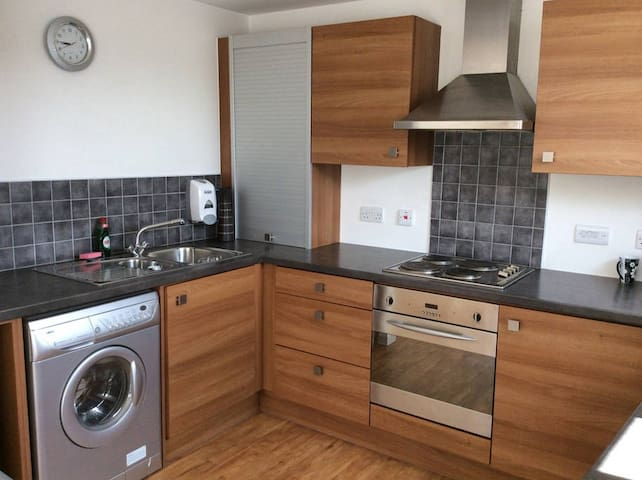 DOUBLE ROOM WITH PRIVATE BATHROOM - Manchester - Apartment