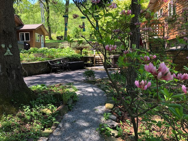 Hopwood 2018 (with Photos): Top 20 Places to Stay in Hopwood ...
