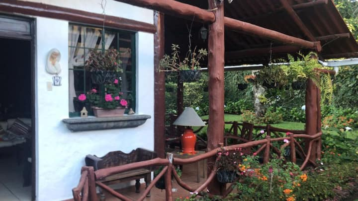 Acogedora cabaña en APANECA