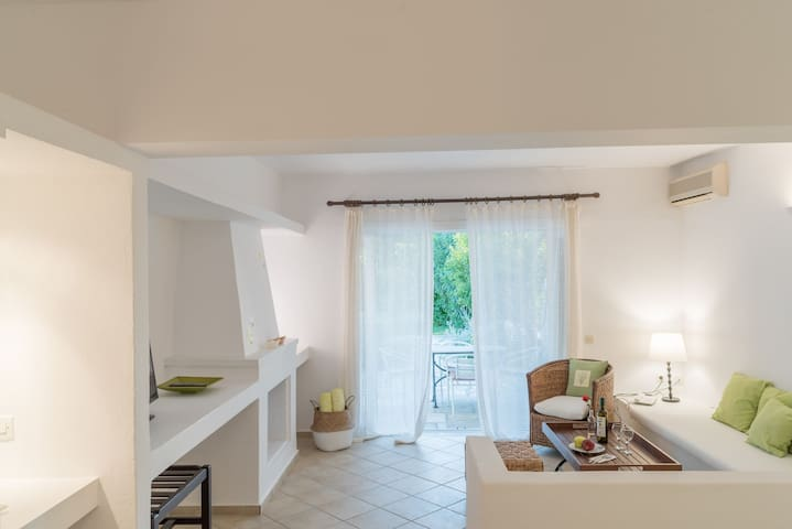 Atmospheric Suite with Garden View
