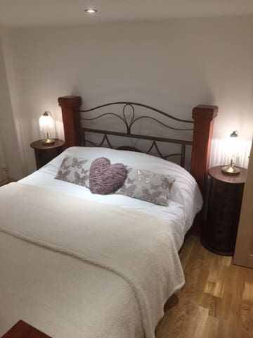 Yr Adfa (Self Catering Apartment) - Old Colwyn - Apartament