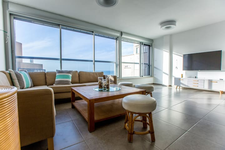 Sea view close to the beach and the Kikar ! - Netanya - Appartement